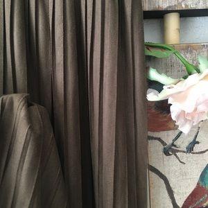 Zara Skirts - 🍃🌸New: Zara Olive Pleated Skirt🌸🍃💕